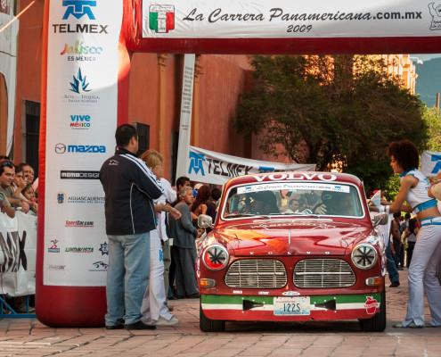 Querétaro: Ein Volvo aus USA …